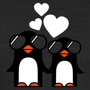 Eigelb penguins fallen in love T-Shirts - Männer Slim Fit T-Shirt