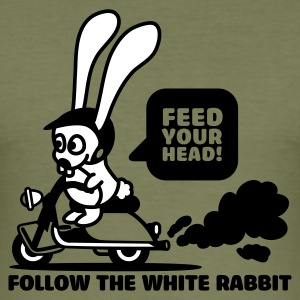Olive follow the white rabbit T-Shirt - Männer Slim Fit T-Shirt