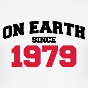 Weiß on earth 1979 T-Shirts - Männer Slim Fit T-Shirt