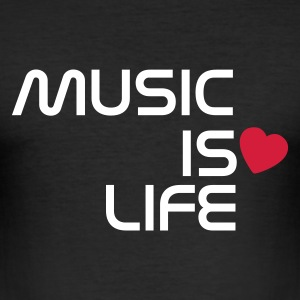 Schwarz music is life heart DE T-Shirts - Männer Slim Fit T-Shirt