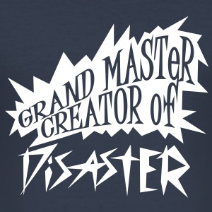 grand master creator of disaster (1c) T-Shirts - Männer Slim Fit T-Shirt
