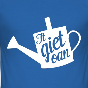It giet oan! T-shirts - slim fit T-shirt