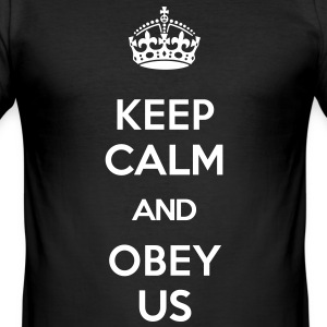KEEP CALM AND OBEY US T-Shirts - Männer Slim Fit T-Shirt
