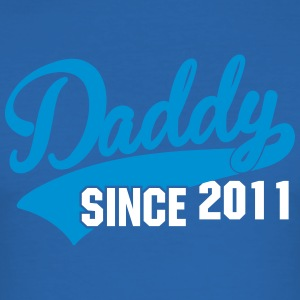 daddy since - your text here T-Shirts - Männer Slim Fit T-Shirt