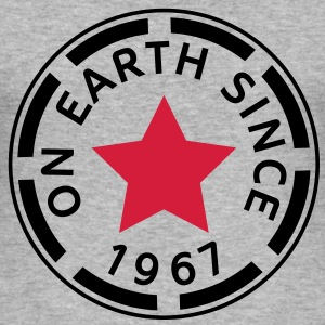 on earth since 1967 (es) Camisetas - Camiseta ajustada hombre