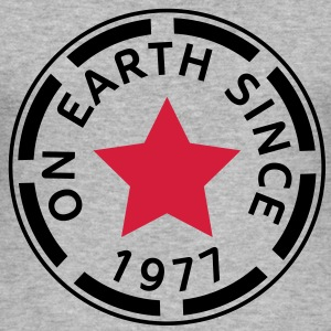 on earth since 1977 (nl) T-shirts - slim fit T-shirt