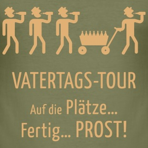 Vatertags-Tour – Prost! T-Shirts - Männer Slim Fit T-Shirt