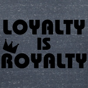 Loyalty is Royalty T-shirts - Vrouwen T-shirt met V-hals