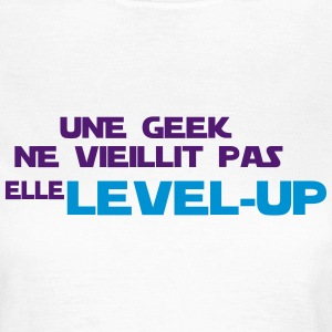 UNE GEEK elle level up Tee shirts - T-shirt Femme