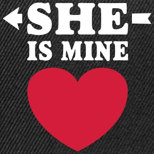 She is Mine I love you my Girlfriend te amo mi nov Gorras y gorros - Gorra Snapback