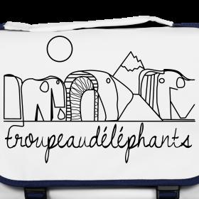 sac-avec-un-troupeaudelephants-pour-rester-nature