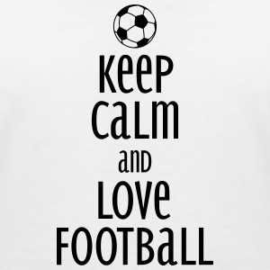 keep calm and love football Koszulki - Koszulka damska  z dekoltem w serek