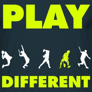 PLAY DIFFERENT - Männer T-Shirt