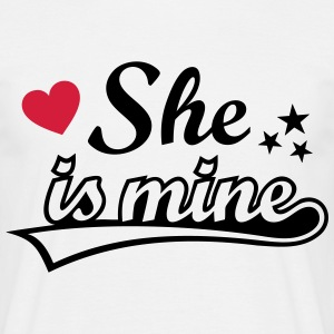 She's mine I love you my Girlfriend Ich liebe Dich T-Shirts - Männer T-Shirt