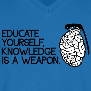 knowledge is a weapon Koszulki - Koszulka męska Canvas z dekoltem w serek