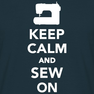 Keep calm and sew on T-Shirts - Männer T-Shirt