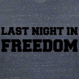 Last night in freedom T-shirts - Vrouwen T-shirt met V-hals