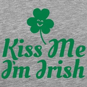 kiss me i'm irish fancy / clover / shamrock T-shirts - Mannen Premium T-shirt