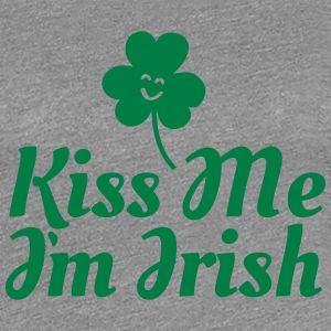 kiss me i'm irish fancy / clover / shamrock T-shirts - Premium-T-shirt dam