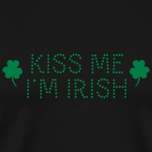 kiss me i'm irish dotted / shamrock / st paddy's T-shirts - Mannen Premium T-shirt