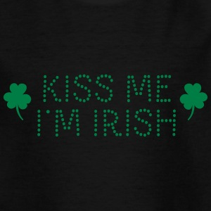 kiss me i'm irish dotted / shamrock / st paddy's T-shirts - Børne-T-shirt