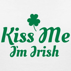 kiss me im Irish excellent T-Shirts - Women's V-Neck T-Shirt