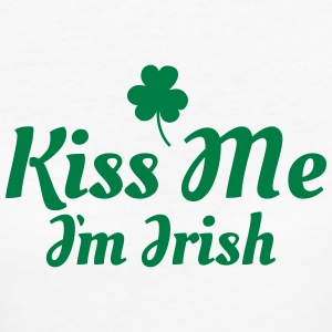 kiss me im Irish excellent T-Shirts - Women's Organic T-shirt
