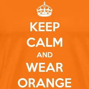 KEEP CALM AND WEAR ORANGE T-shirts - Mannen Premium T-shirt