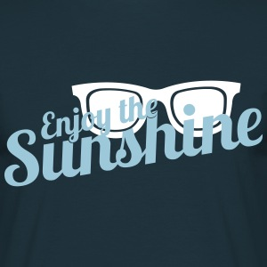 Enjoy the Sunshine - Männer T-Shirt