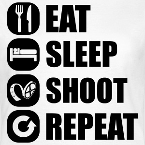 eat_sleep_shoot_repeat_6_1f T-Shirts - Frauen T-Shirt