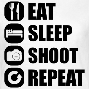 eat_sleep_shoot_repeat_1_1f T-shirts - Vrouwen T-shirt