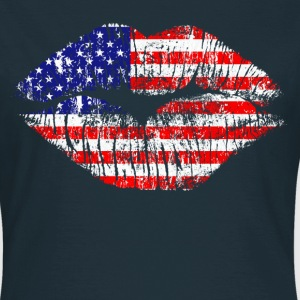 american kiss - Women's T-Shirt