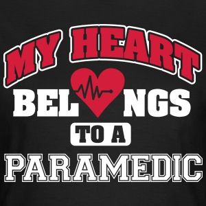My heart belongs to a paramedic Koszulki - Koszulka damska