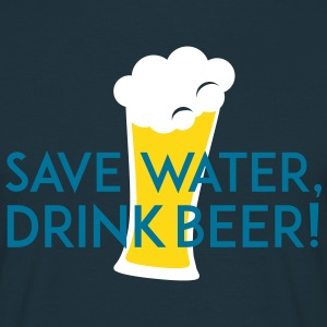 save water drink beer T-Shirts - Männer T-Shirt