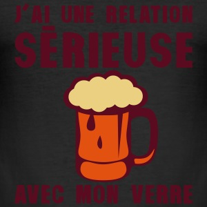 tday2015 relation serieuse verre biere Tee shirts - Tee shirt près du corps Homme