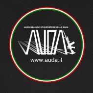 ~ cappellino nero con logo AUDA e bandiera