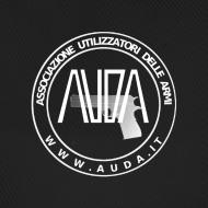 ~ cappellino nero con logo AUDA e colt 1911