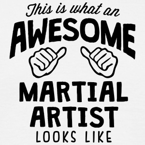 awesome martial artist looks like - Men's T-Shirt
