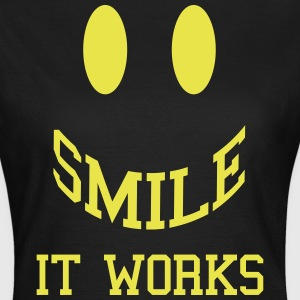 Smile It Works  T-shirts - Dame-T-shirt