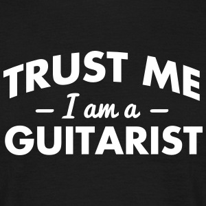 NEW trust me i am a guitarist - Men's T-Shirt
