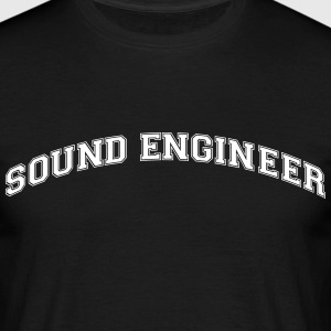 sound engineer college style curved logo - Männer T-Shirt