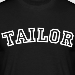 tailor curved college style logo - Men's T-Shirt