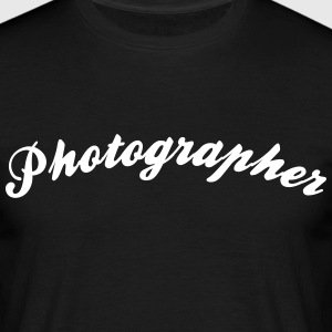 photographer cool curved logo - Men's T-Shirt