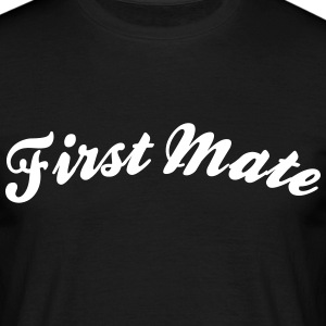 first mate cool curved logo - Men's T-Shirt
