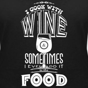 I cook with wine T-shirts - Vrouwen T-shirt met V-hals