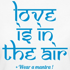 LOVE IS IN THE AIR - Frauen Bio-T-Shirt
