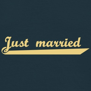 just_married T-Shirts - Männer T-Shirt
