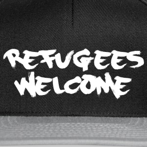 refugees welcome Caps & Mützen - Snapback Cap