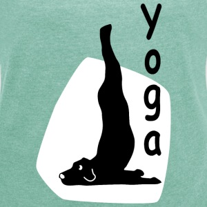 Yoga Dog Looking  - Dame T-shirt med rulleærmer