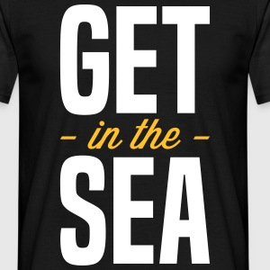 get_in_the_sea_02 T-Shirts - Men's T-Shirt